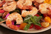 Cooked Shrimp on Skewers — Stock Photo
