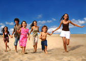 Running Children on the Beach — Stockfoto