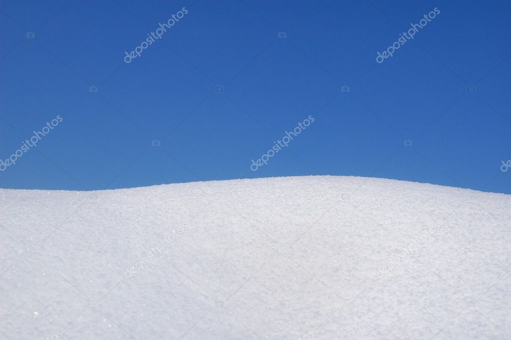 Fresh snow and blue sky — Stock Photo #2171450