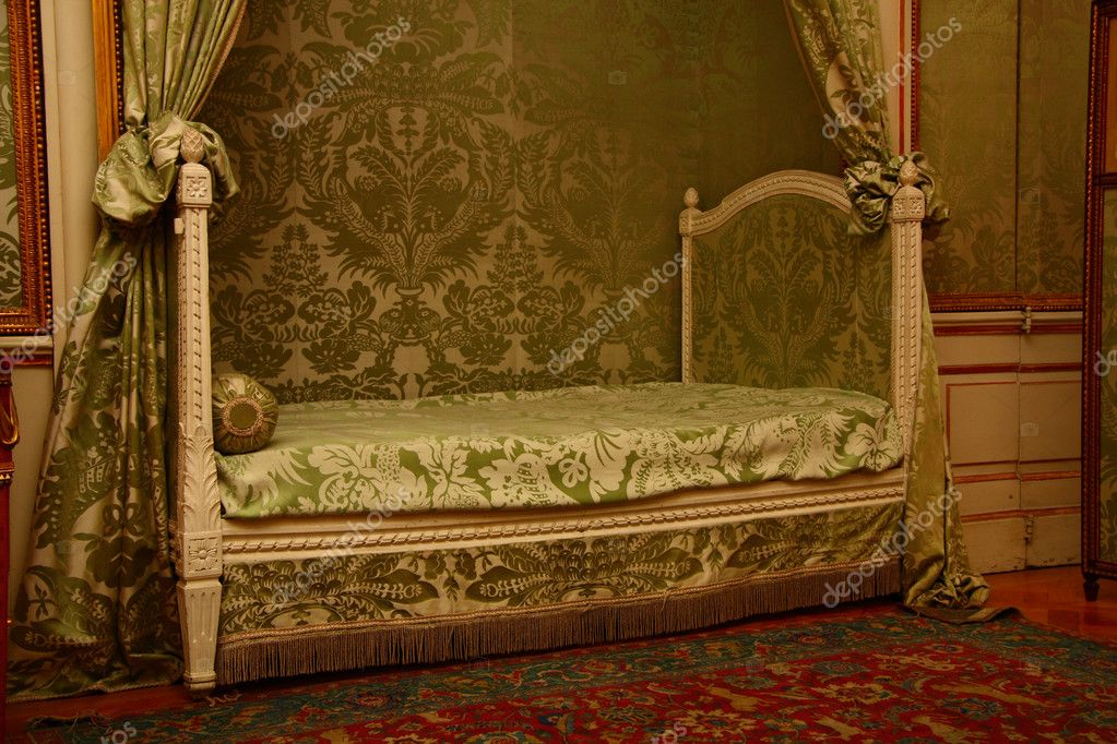 Bedroom in palace — Stock Photo #2181821