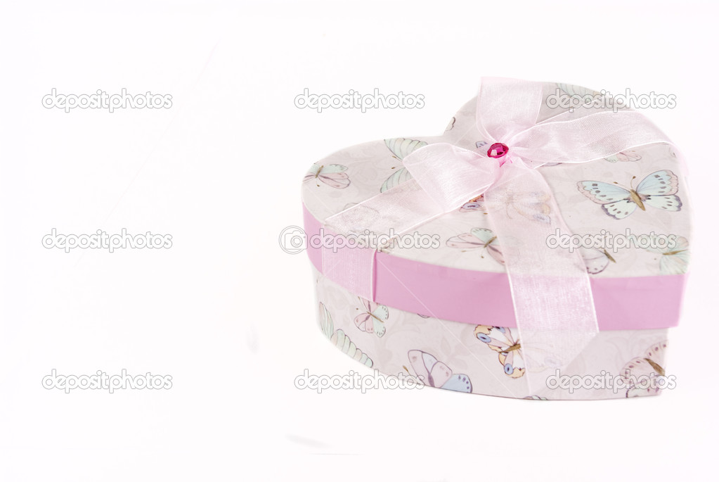 Chic Pink boutique box in a heart shape,  isolated on a white background — Stock Photo #2279630