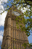 Big Ben with clouds — Stock Photo