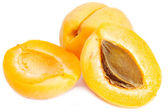 Apricots with halves — Stock Photo