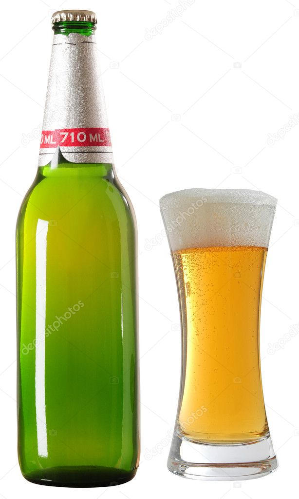 Un labeled beer bottle.  Stock Photo #2219178