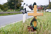 Crucifix near the road — 图库照片