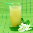 Glass of fresh apple juice — Stock Photo