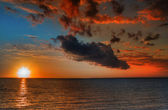 Beautiful vibrant sunset — Stock Photo