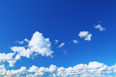 Summer sky with cumulus clouds — Stock Photo