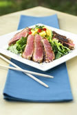 Seared Sesame Tuna Salad — Stock Photo