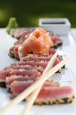 Sesame and Peppercorn Encrusted Tuna — Stock Photo