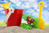 Brinquedos de plástico para a praia e férias — Fotografia Stock