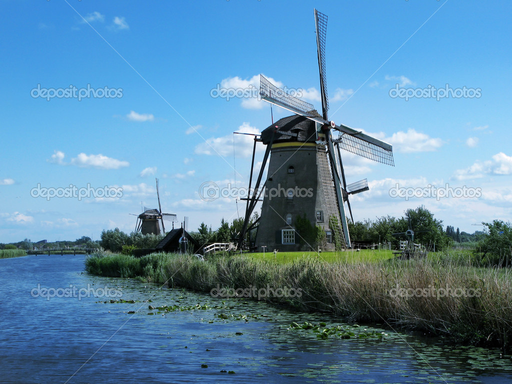 Windmills in Kinderdijk near Rotterdam, Netherlands. — Stock Photo #2191246