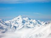 Höga berg på vintern — Stockfoto