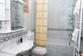 Modern bathroom interior — Stock Photo
