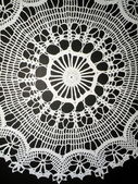White crochet doily — 图库照片