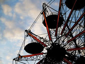 Amusement park ferris wheel — Stock Photo