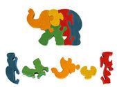 Hölzerne bunten puzzle spielzeug elefant — Stockfoto