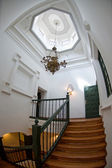 Toppen av trappan i en herrgård — Stockfoto