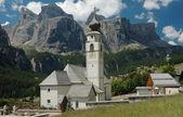 Summer view of Colfosco church — Stock Photo