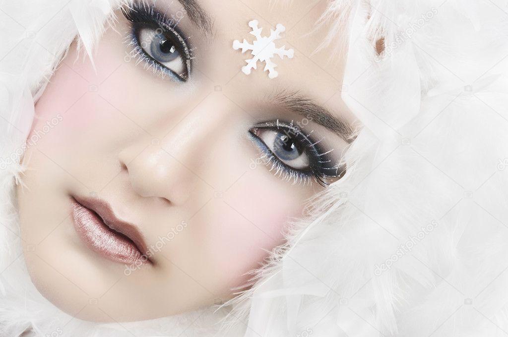 http://static3.depositphotos.com/1007047/222/i/950/depositphotos_2222723-Snow-Girl.jpg