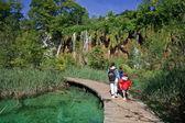 Footbridge - plitvice lakes — Stock Photo