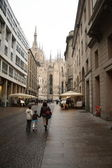 Corso Vittorio Emanuele. In the background the Cathedral of Milan — Stock Photo