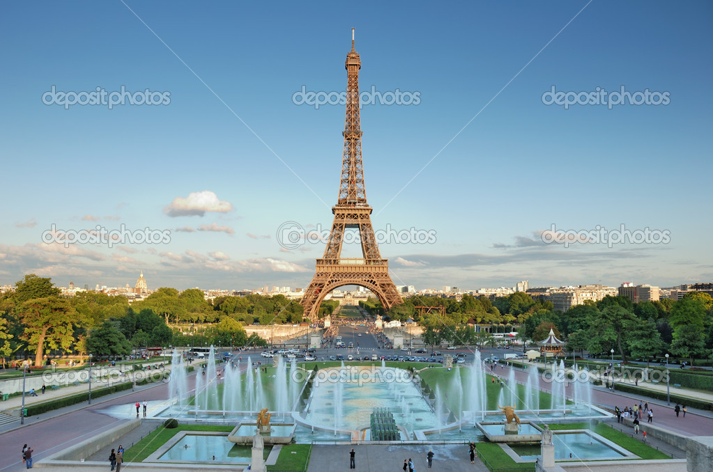 The Eiffel Tower seen from Trocadero, Paris, France. — Stok fotoğraf #2298750