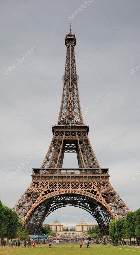 The Eiffel Tower from below upwards in Paris, France. — Stock Photo #2504615