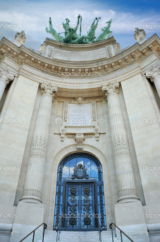 Entrance to the Grand Palais in Paris, France.  — Stock Photo #2679969