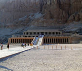 Hatshepsut temple 02 — Stock Photo