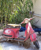 Wrecked moped — Stock Photo
