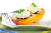 Grilled Peaches — Stock Photo