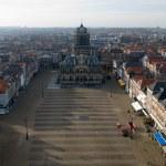 Постер, плакат: Delft Town Square and Town Hall