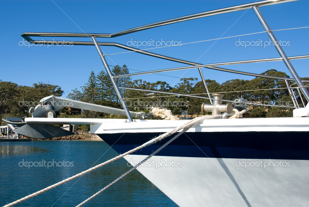 The bow of a luxury pleasure cruiser, Nelson Bay, New South Wales, Australia — Stock Photo #2225632