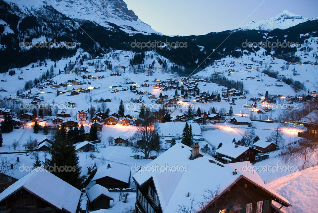 The beautiful Swiss alpine village of Grindelwald — Stock Photo #2234143
