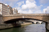 Bridge Over the River Seine — Стоковое фото
