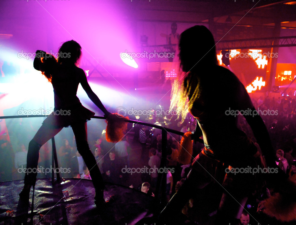 Dancing girls in the night club — Stock Photo #2227289