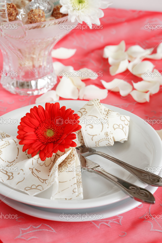 Romantic table setting for Valentine, birthday or other event — Foto Stock #2228490