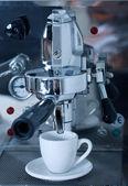 Preparing coffee — Stock Photo