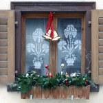 ventana con la decoración de Navidad — Foto de Stock