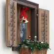Window with christmas decoration — Stok Fotoğraf #2465701
