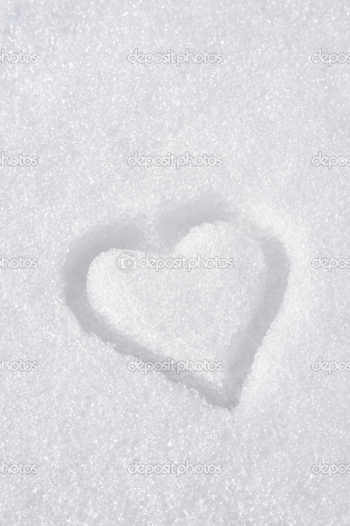 Heart on the snow — Stock Photo #2234317