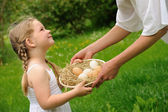 Mother and daughter having Easter time — Stock Photo