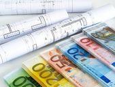 Planos e dinheiro euro — Foto Stock