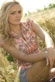 Beautiful country girl — Stock Photo