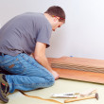 Laying laminate floor — Stock Photo #2277329