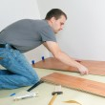 Laying laminate floor — Stock Photo #2277334