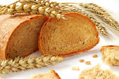 Bread and wheat — Stockfoto