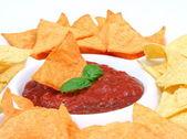 Nachos and salsa dip i — Stock Photo