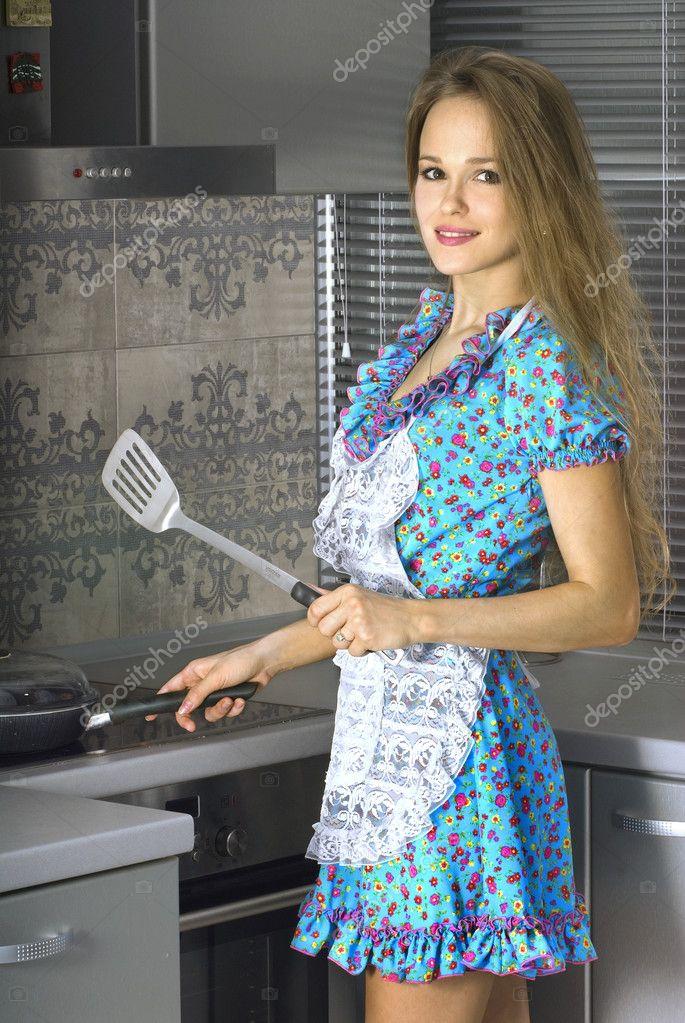 домохозяйка дома фото крупным планом